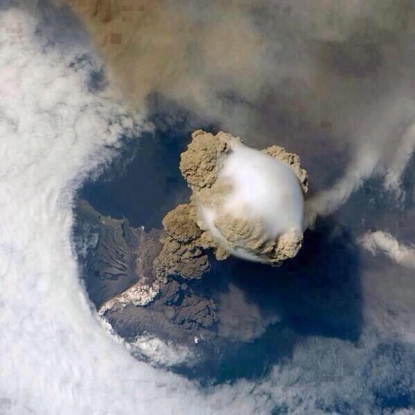 【今年2回目】グアテマラのフエゴ山が噴火…溶岩や火山灰を噴き出す