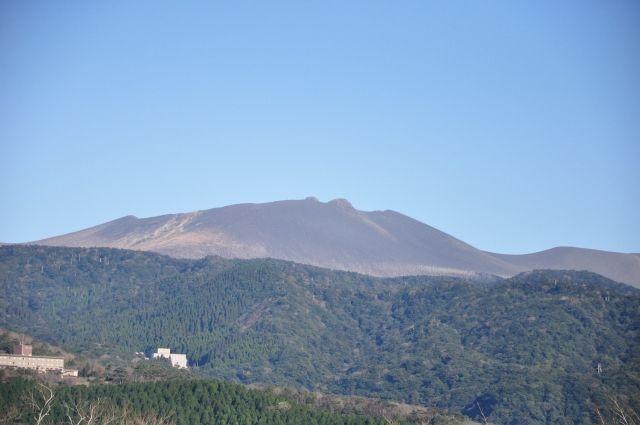【気象庁】新燃岳で火山性地震が突如急増…「3日間で84回」も発生