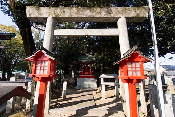 川原神社天神社の鳥居と社