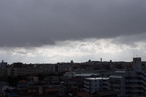 定点曇天と晴れ間