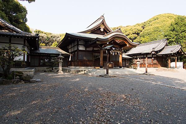 成海神社拝殿