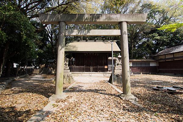 桜神明社二の鳥居と拝殿