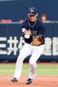 【オリックス】伊藤光の三塁守備に小谷野栄一「うまい」太鼓判