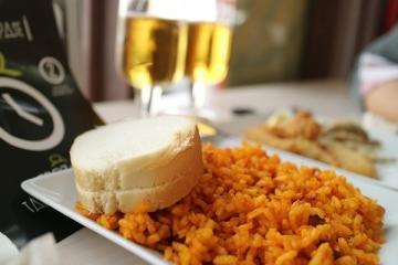 2425 Mercado Gourmet Lonja del Barranco en Sevilla-M