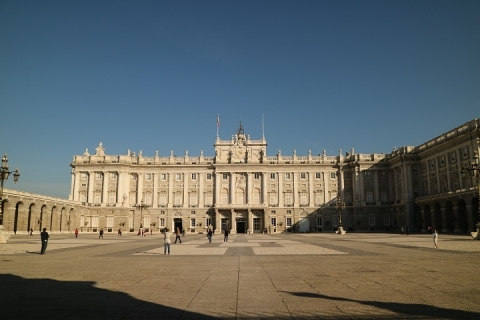 3392 Palacio Real-M