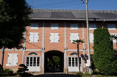 tomiokaseishi01-s.jpg
