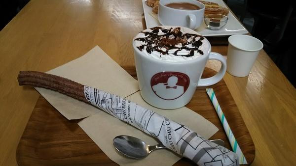 チョコレートドリンク&チュロス