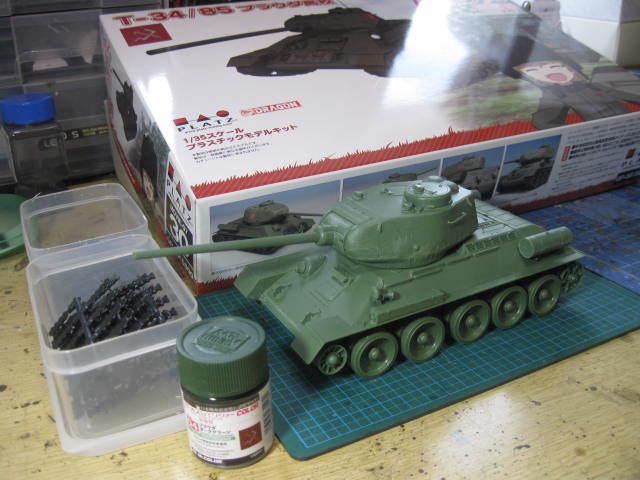 T-34/85 プラウダグリーン の1