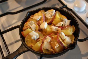 サツマイモとリンゴのゴルゴンゾーラ