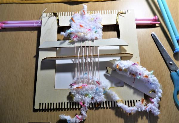 手織りでミニおざぶ2枚同時織り