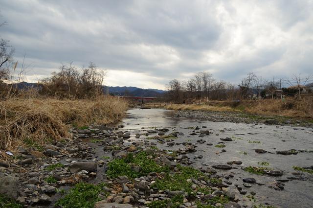 北浅川にかかる手作橋