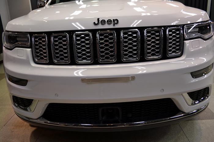 ジープ702