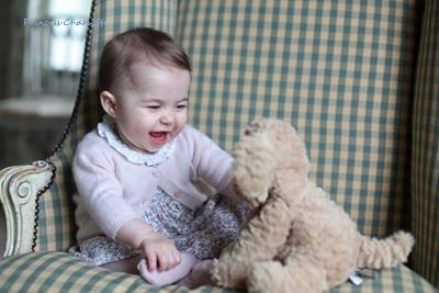 princess-charlotte-one-year-old2016.jpg
