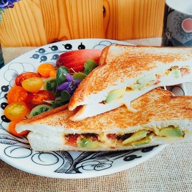 honjikomi hot sandwich