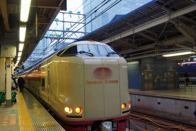 東京駅 寝台特急サンライズ