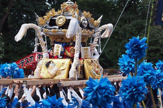 たかおか神社秋祭り 神子岡屋台の宮入り