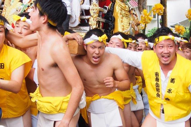 たかおか神社秋祭り 田寺屋台の宮入