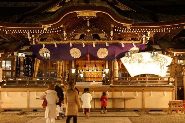 奈良県桜井市三輪  三輪神社 初もうで