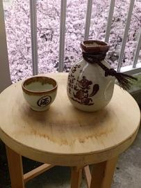 桜を肴に酒。