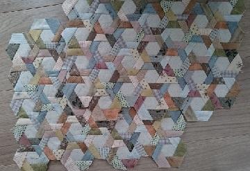 pc_170412_hexagonpinweelbag.jpg