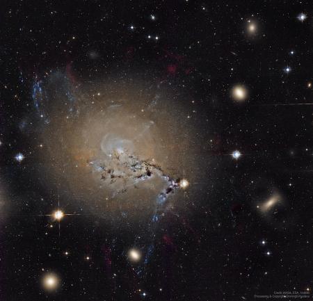 NGC1275_HubblePestana_3891 (900x866)