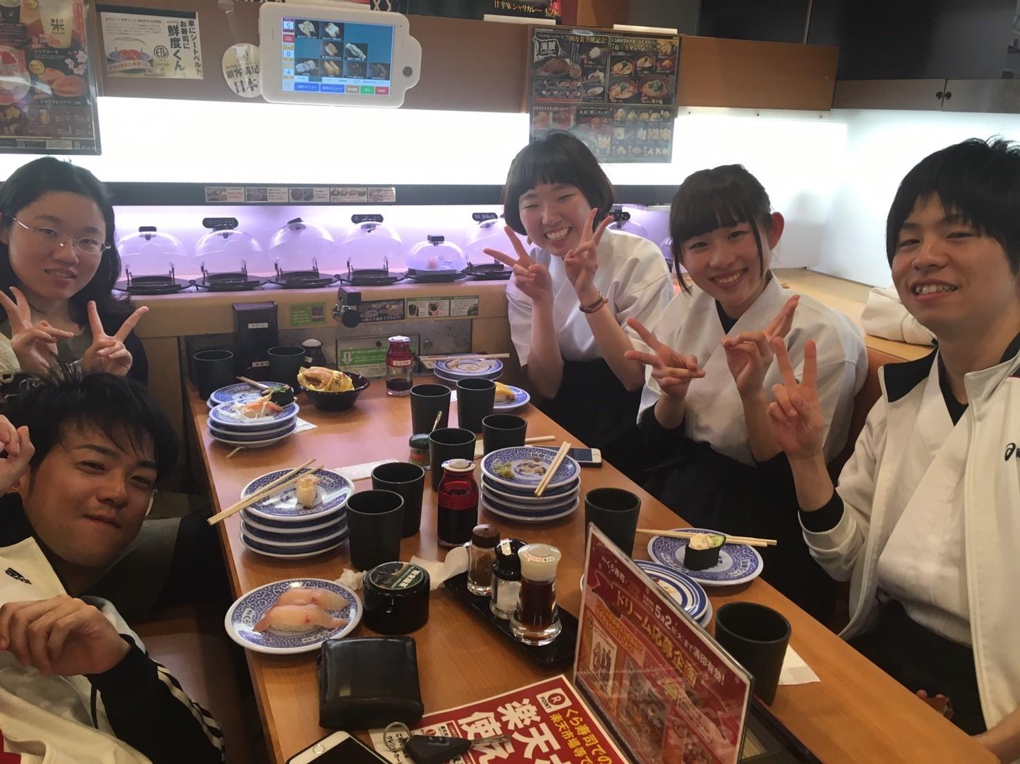 新歓1日目 くら寿司🍣_170405_0006