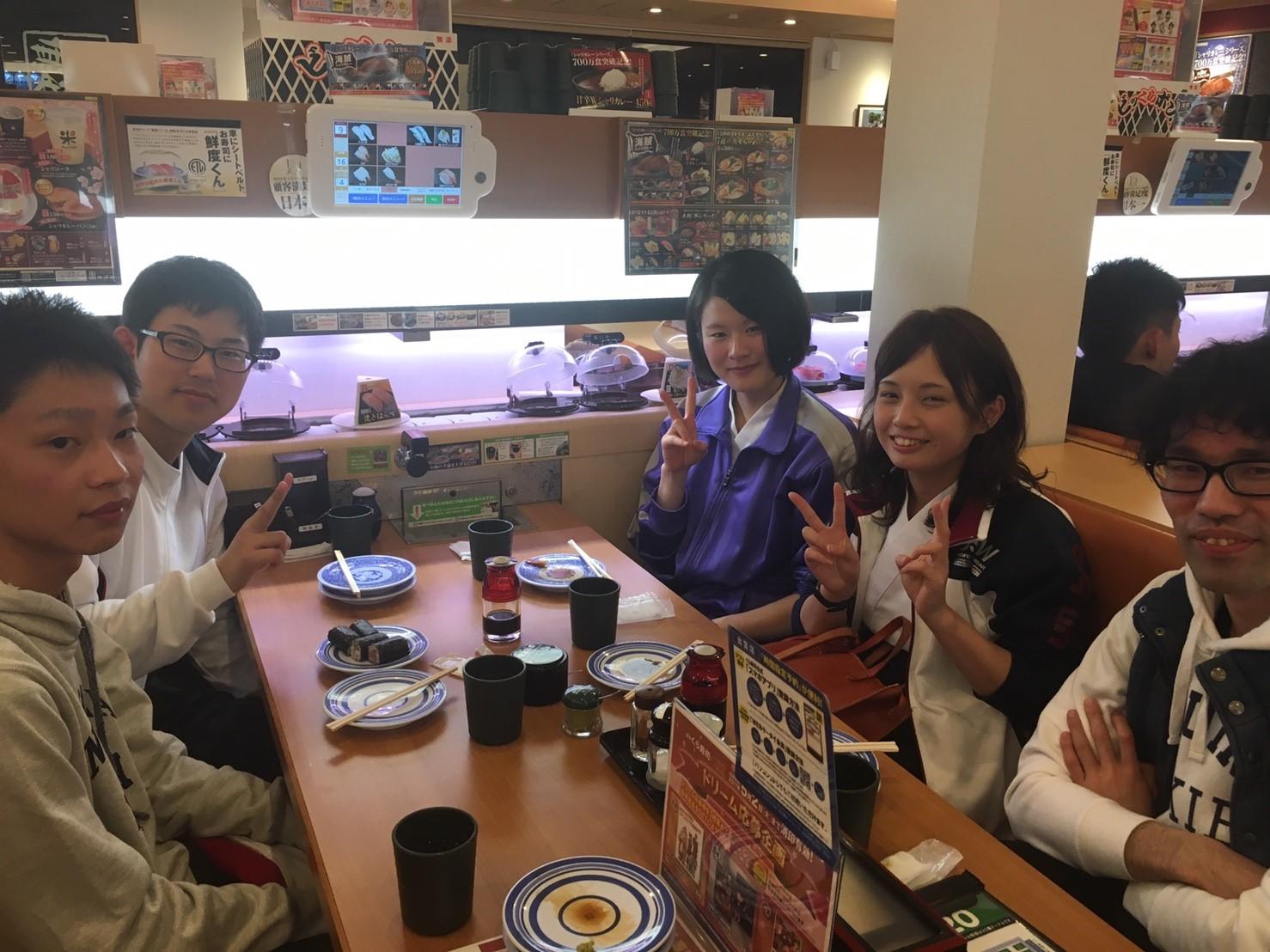 新歓1日目 くら寿司🍣_170405_0003