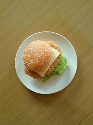 チーズとんかつバーガー