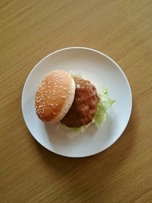 7&iすりおろし野菜入りソースの和風ハンバーグでハンバーガー2
