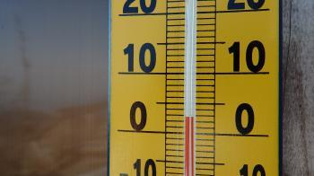 07時51分に気温は3度