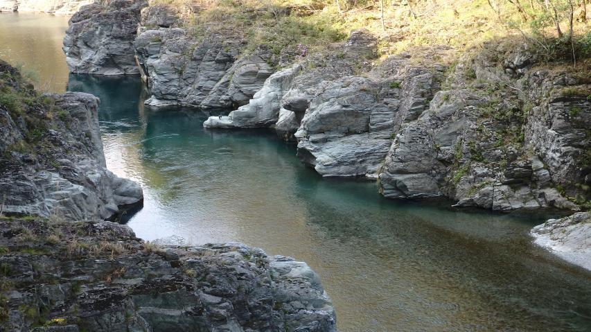穴吹川の清流
