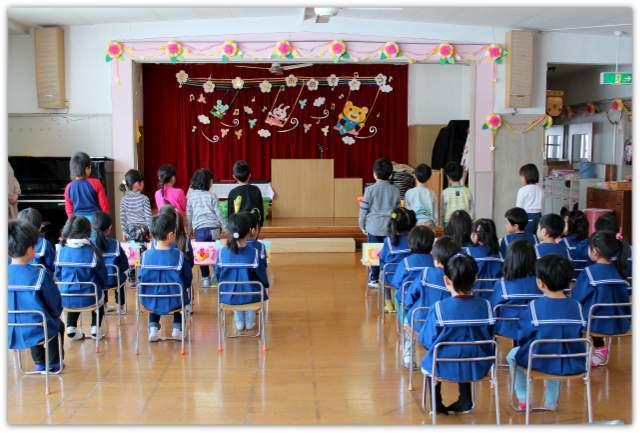 青森県 弘前市 保育園 卒園式 出張 集合 写真 記念 撮影 カメラマン スナップ インターネット 販売