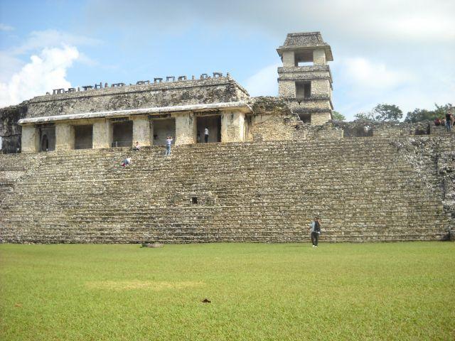 メキシコパレンケの マヤ遺跡