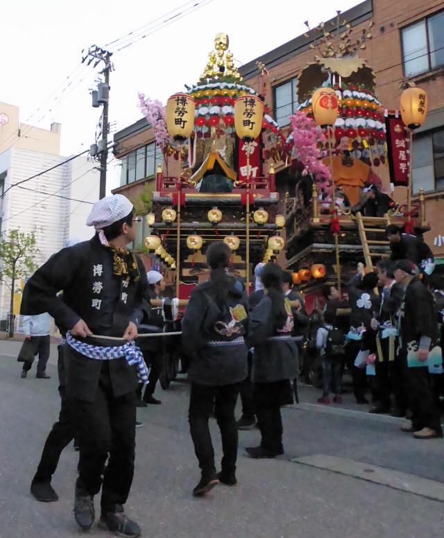 博労町「神子鈴」5