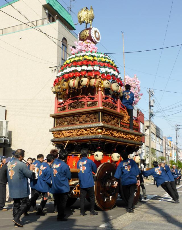 下新田町「太鼓に鶏」2