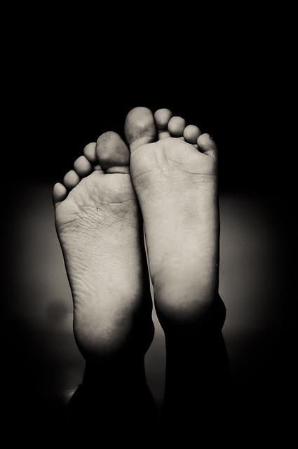 feet-1845706_640.jpg
