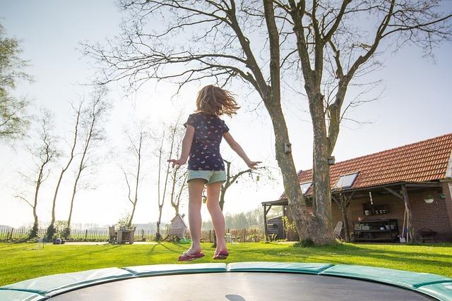 trampoline-2227667_640.jpg