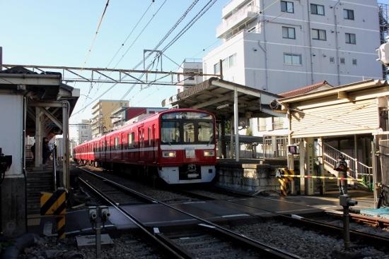 ⑩東門前駅 (550x367)