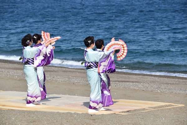 扇子踊り-2