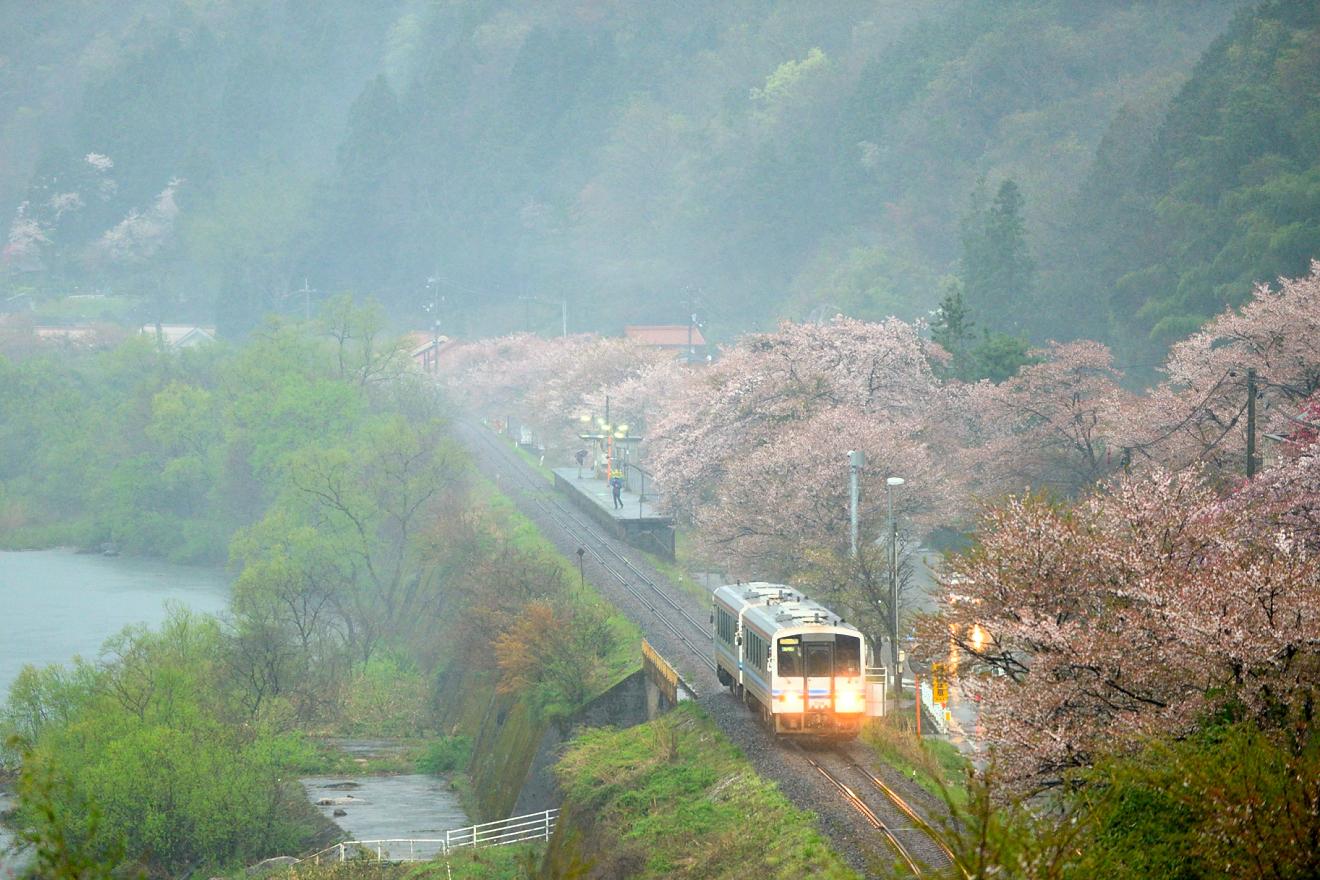キハ120(423D・潮駅)01