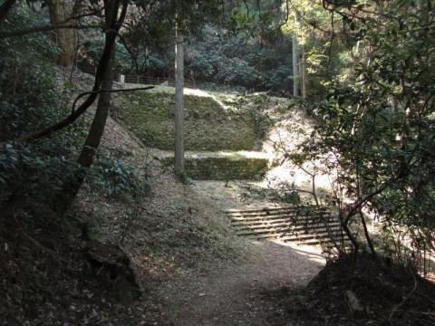 宇津ノ谷峠旧道 地蔵堂跡下