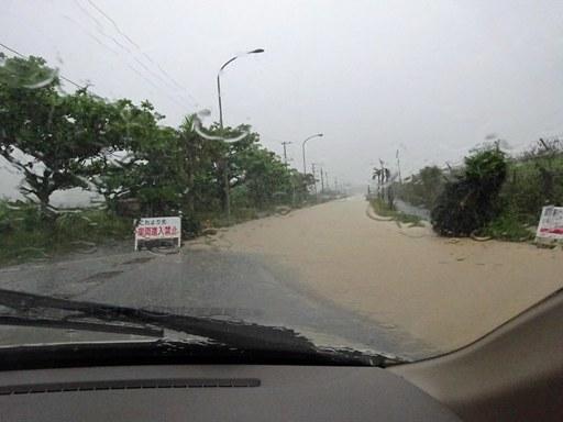 大雨通勤-b DSC07012