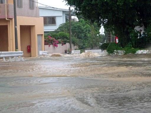 大雨出勤-i DSC07022