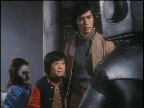 ペペ(左)、次郎(中)、ゴード(右)