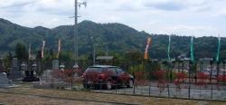 霊園の駐車場