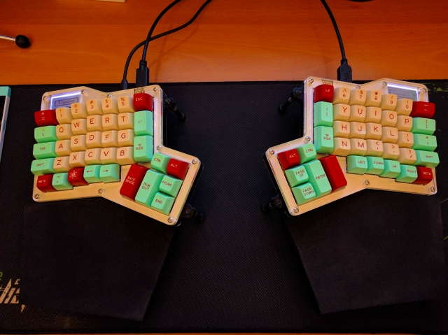 Mechanical_Keyboard90_02.jpg