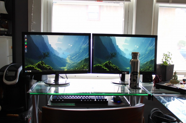 PC_Desk_MultiDisplay86_60.jpg