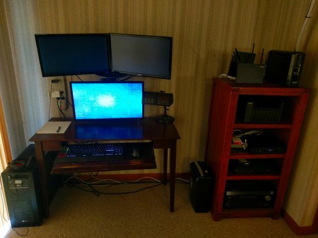 PC_Desk_MultiDisplay87_04.jpg