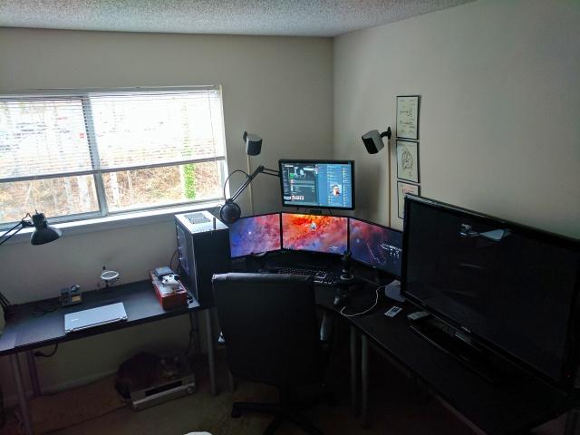 PC_Desk_MultiDisplay87_21.jpg