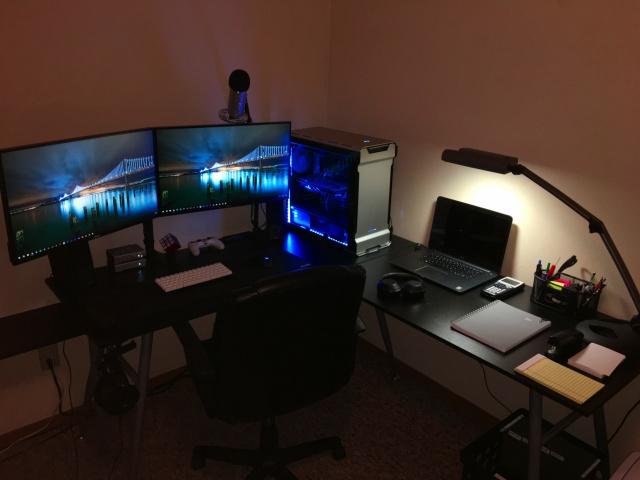 PC_Desk_MultiDisplay87_31.jpg